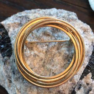 Jewelry - Vintage Large Circle Kramer Pin